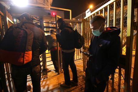 L'inquiétude des travailleurs palestiniens aux checkpoints de l'occupation