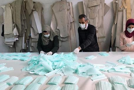 Amjad Zaghir, le seul fabricant de masques en Cisjordanie, dans son atelier de Hébron. (Photo : avec l'autorisation d'Amjad Zaghir)