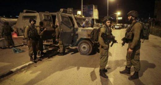 Cracher sur les portes des maisons et les voitures des Palestiniens: cela s'est passé le 27 mars à l'aube, par des soldats de l'occupation à Hébron