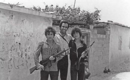 Visite historique de Hue P. Newton dans un camp de réfugiés palestiniens