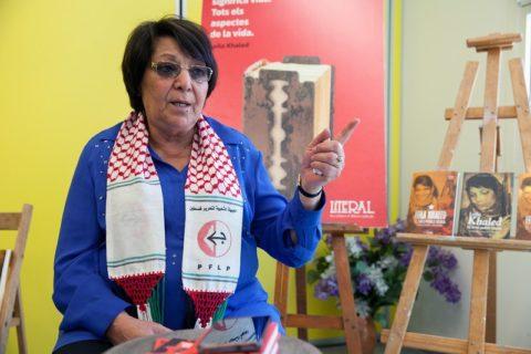 Leila Khaled a été censurée sur d'importantes plates-formes internet pour le compte de plusieurs groupes de pression et du gouvernement israélien. (Photo: Fira Literal Barcelona)
