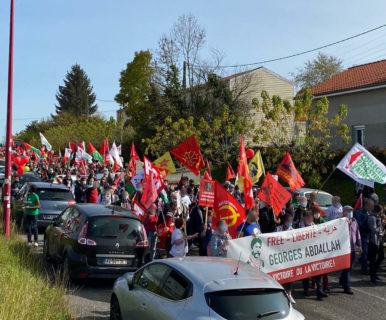 Plus de 600 personnes marchent vers la prison de Lannemezan