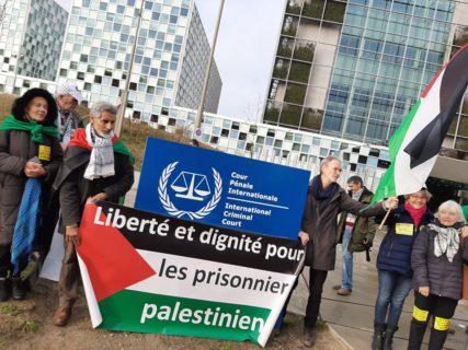 Des membres de la délégation belge devant la CPI le 29 novembre 2019. Photo : Plate-forme Charleroi-Palestine