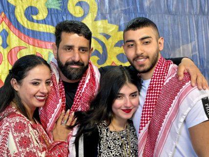 La famille Barbar réunie le 29 mars 2021, un jour avant que Majd ne soit kidnappé à nouveau par les forces de l'occupation.