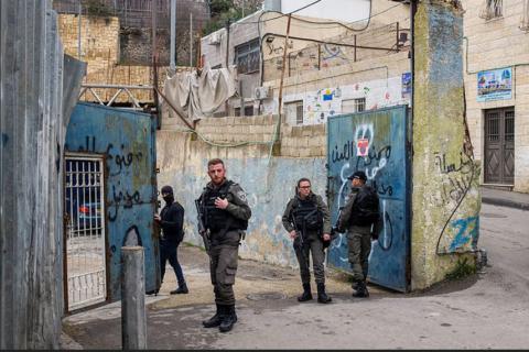 Des policiers israéliens dans le quartier de Silwan, à Jérusalem-Est, le 2 février 2020. (Photo : Emil Salman)