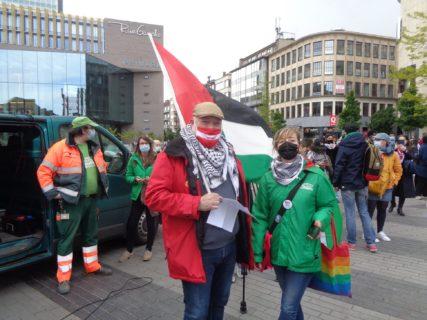 David Dupire et Laurence Blésin, en Front Commun, en soutien à la grève générale en Palestine (Photo : René Andersen)