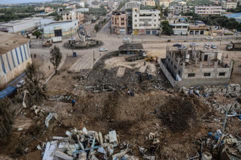 Bombardements israéliens sur Gaza. Photo via Ziad Medoukh