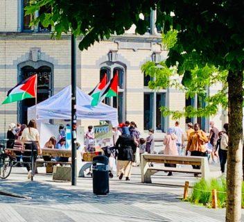 L'asbl Entraide et Fraternité-Vivre Ensemble, une des 11 organisations membres de la Plate-forme Charleroi-Palestine, nous avait prêté sa tonnelle. Merci à elle ! Photo : Mourad Boucif