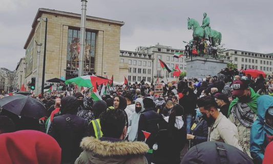 Najib Chaquiri (à l'avant-plan à droite) à la manifestation pour le 73e anniversaire de la Nakba à Bruxelles (publié sur sa page FB)