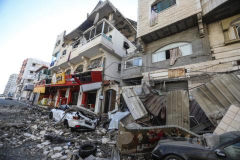 Une rue de Gaza endommagée par les bombardements israéliens. (Photo : Mohammed Zaanoun / ActiveStills)
