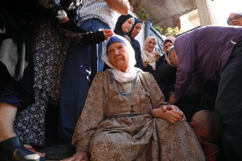 16 août 2021. Les Palestiniens pleurent quatre hommes tués par les troupes israéliennes qui ont attaqué le camp de réfugiés de Jénine, dans le nord de la Cisjordanie occupée. (Photo : Oday Daibes APA images)