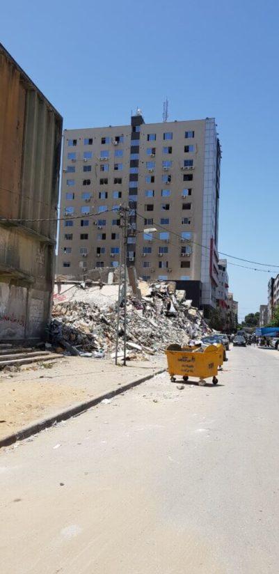 Voici ce qui reste de le tour Al-Jalaa à Gaza, qui hébergeait Al-Jazeera et AP News. (Photo : Emad Moussa, June 2021)